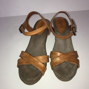 Taos Leather wedge sandals size 41